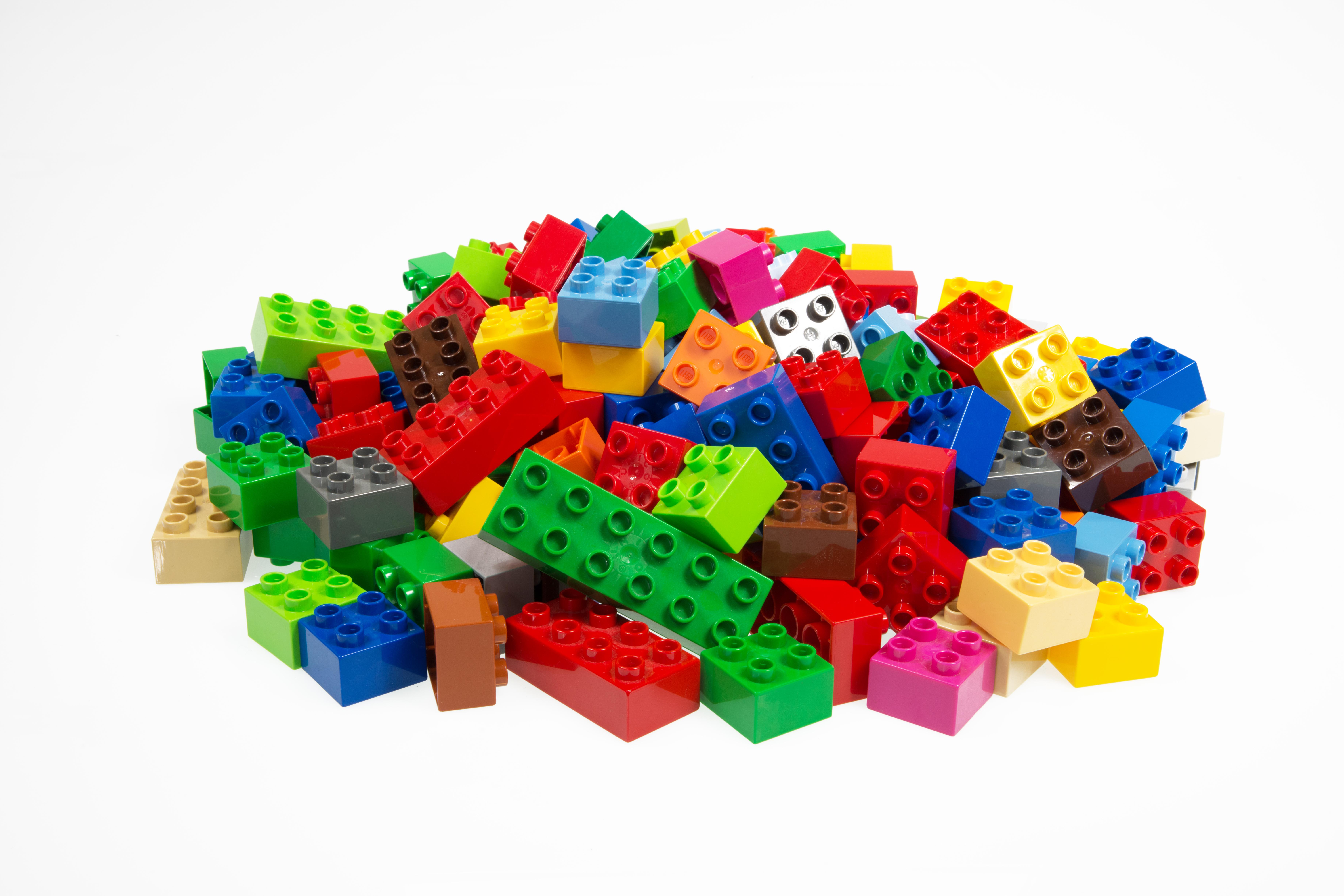 Produzione Giocattoli In Plastica.Nella Fabbrica Del Giocattolaio